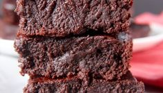 These 99 Fudgy Paleo Brownie Recipes are to die for. They are Paleo and delicious! Great for the family any time of the year! Best Gluten Free Desserts, Paleo Sweets, Paleo Dessert, Healthy Desserts, Dessert Recipes, Cake Recipes, Diet Desserts, Coconut Flour Recipes, Coconut Flour Brownies