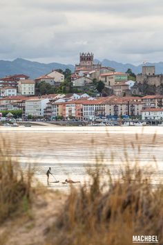 Practicando paddle surf San Vicente de la Barquera en Cantabria by machbel Nature Photography, Travel Photography, Beach Vibes, Surfer, Spain And Portugal, Beach Wear, Spain Travel, Bilbao, Travel Around