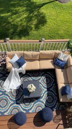 Deck Furniture, Outdoor Furniture Sets, Furniture Ideas, Outdoor Seating, Outdoor Decor, Decor Home Living Room, Deck Decorating, Elegant Home Decor, Deco Table