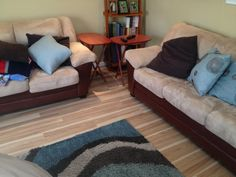 """""""I put this floor down in my den...I went cross grain from the eat-in kitchen flooring and WOOOOH! This floor POPS! My previous floor was a lighter color also, just not like this one. It adds a cool design and much needed light to the room. The floor samples don't do this type of floor any justice..."""""""