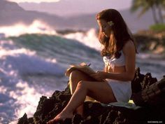 Live in Hawaii... oh wait did that :) Just need a 40's makeover day.... LOV that    kate beckinsale , pearl harbor