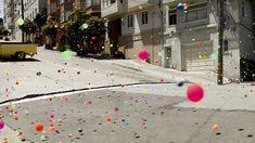 That. Just. Looks. FUN  I love bouncy balls!!