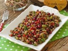 Narlı Kuru Börülce Salatası Turkish Salad, Kung Pao Chicken, Vegetables, Ethnic Recipes, Foods, Drinks, Kitchens, Food Food, Drinking