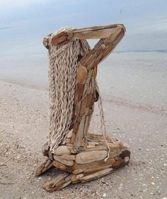 New Nature Art Sculpture Statues Ideas Art Sculpture En Bois, Driftwood Sculpture, Driftwood Art, Wooden Sculptures, Wooden Statues, Outdoor Sculpture, Arte Peculiar, Art Et Nature, Wood Carving Art