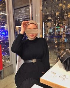 Hijab Fashion Inspiration, Mode Inspiration, Fachion Girl, African Prom Dresses, Head Scarf Styles, Hijab Fashionista, Islamic Girl, Hijab Chic, Niqab