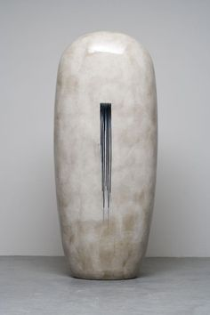 Dango (monumental ceramic sculpture) by Jun Kaneko Stone Sculpture, Sculpture Clay, Abstract Sculpture, Ceramic Sculptures, Ceramic Clay, Ceramic Pottery, Pottery Art, Slab Pottery, Thrown Pottery