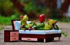 Frosch, Verliebt, Bett, Nachttisch, Herz, Figur, Lustig
