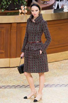 chanel fashion 2015 | Chanel осень-зима 2015-2016 фото №31