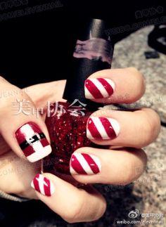 LOVE. Christmas Nails!