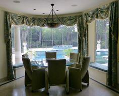 Breakfast room overlooking the pool.