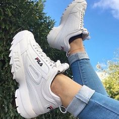 15 Sneakers To Add To Your Wardrobe This Spring – Related posts:The Top 10 Accessories Trends of Spring Top Sneaker & Sneaker Boots für DamenReduzierte Damenschuhe Moda Sneakers, Sneakers Mode, Best Sneakers, Sneakers Fashion, Fashion Shoes, Fila White Sneakers, Tumblr Sneakers, Jeans Fashion, Fashion Fashion