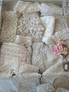 fc99137eb376 What a nice collection of beautiful lace ~❥ Lace Embroidery