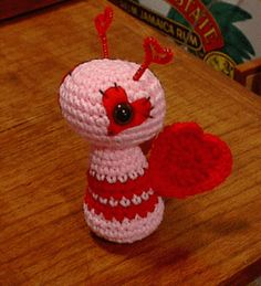 Love Bug Amigurumi and other free Valentine's Day Crochet Patterns! #crochet