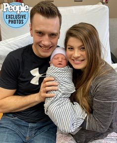 Bringing Up Bates Star Tori Bates and Husband Bobby Smith Welcome Son Kolter Gray New Baby Boys, Baby Family, Celebrity Couples, Celebrity News, Tori Bates, Carlin Bates, Bates Family Blog, Duggar Family, Celebrity Wallpapers