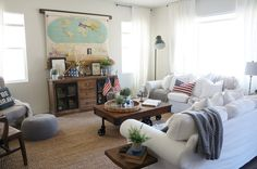 » TV SolutionHome Love Stories Smart to hide the TV with a map!