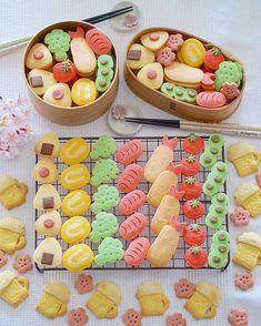 Cute Desserts, Dessert Recipes, Kawaii Cooking, Cupcake Cakes, Cupcakes, Pastry Design, Cute Baking, Kawaii Dessert, Bento Recipes