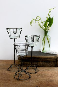Vintage Set of 3 wire candle holder by vintagewall on Etsy, Christmas Fair Ideas, Christmas Crafts For Gifts, Wire Crafts, Metal Crafts, Upcycled Home Decor, Iron Wire, Shabby Chic Christmas, Candlesticks, Candleholders