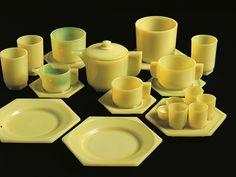 Piet Zwart and H.P. Berlage – Pressed glass breakfast service, 1923-1924