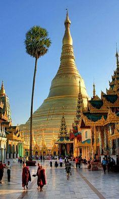 Shwedagon Paya (Pagoda), Yangon, Burm | Flickr - Photo by Prahin