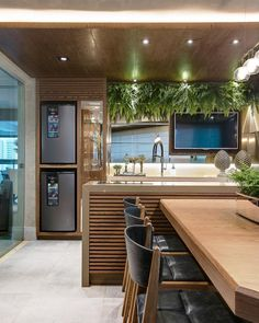 Best Modern Kitchen from 37 of the Magical Modern Kitchen collection is the most trending home decor this season. This Modern Kitchen look related to interiors, homedecor, interiordesign and… Küchen Design, Design Case, Modern Kitchen Design, Interior Design Living Room, Luxury Kitchens, Home Kitchens, Sweet Home, Cuisines Design, Home Decor Kitchen