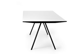 Eichenberger Wogg 7 designed by Hans Eichenberger for Wogg is an elegant and thin table with chromed or black feet and top in white or black Hpl. The volume is Office Table, Table Desk, Floating Table, Esstisch Design, Dining Table Design, Dining Tables, Work Station Desk, Elegant Table, Interior Design Studio