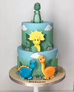 Dinosaur Cakes For Boys, Dinosaur Birthday Cakes, 2 Birthday Cake, Boys 1st Birthday Party Ideas, 1st Boy Birthday, Baby Shower Fun, Baby Shower Cakes, Dinasour Cake, Dino Cake