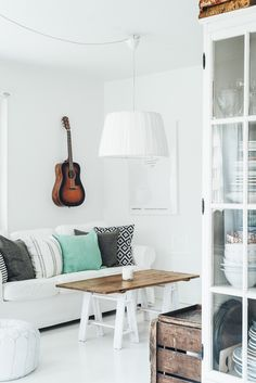 Scandinavian livingroom in the home of Made By Mary | © Rania Maria Photography | www.raniamaria.eu