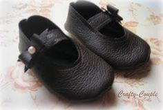 Old leather purse into baby leather mary janes.