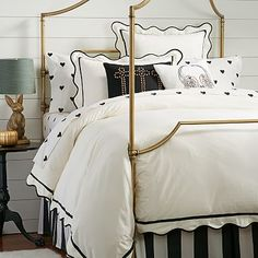 Whether your style is simple or bold, Pottery Barn Teen's girls duvet covers will let your personality show. Find bold colored and printed duvet covers for twin, full, queen and king beds. Girls Duvet Covers, Twin Size Duvet Covers, Home Bedroom, Bedroom Furniture, Bedroom Decor, Master Bedroom, Bedroom Ideas, Teen Girl Bedrooms, Big Girl Rooms