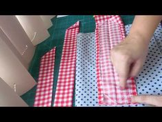Colocar viés de forma simples | Cantinho do Video Diy Sewing Projects, Sewing Hacks, Sewing Crafts, Quilting Tutorials, Sewing Tutorials, Sewing Patterns, Love Sewing, Baby Sewing, Patchwork Tutorial
