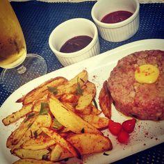 Brasserie parte II : Steak tartare de mignon com batatas rústicas