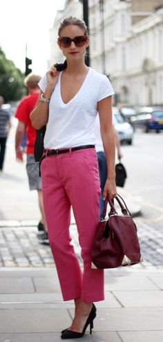 Try some bright colors for better impact. 45 Casual Work Outfits For Women In Their 40s