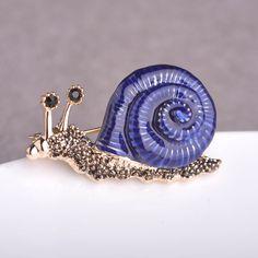 Blucome Snails Brooches For Women Antique Fleur De Lis Enamel Esmalte Animal Brooch Pins Shirt Collar Clip Rhinestone Broaches