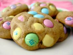 Peanut butter M cookies - Ah the perfect Easter (or spring) treat!