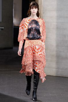 See the complete Preen by Thornton Bregazzi Fall 2014 Ready-to-Wear collection.