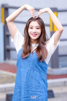 Here, eunbi is rather motherly Love You The Most, My One And Only, Kpop Girl Groups, Kpop Girls, Mixed Girls, Woollim Entertainment, Japanese Girl Group, Golden Child, Girl Bands