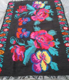 Beautiful antique traditional Romanian woven wool carpet / rug with floral… Wool Carpet, Rugs On Carpet, Shabby Chic Rug, Ikea Rug, Flower Pattern Design, Target Rug, Hallway Carpet Runners, Folk, Rug Shapes
