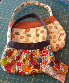Large and Small Buttercups and Valori Wells wallet pattern