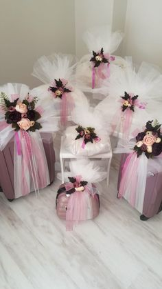Our engagement bundle Wedding Gift Baskets, Wedding Gift Boxes, Wedding Gift Wrapping, Wedding Favors, Diy Wedding, Wedding Gifts, Wedding Decorations, Alcohol Gift Baskets, Gift Wraping
