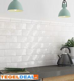 Foremark Blanco Kitchen Wall supplied by Tile Town. Discounted Brick Effect Tiles White Kitchen Backsplash, Kitchen Tiles, Kitchen Design, Glazed Brick, Glazed Tiles, Brick Effect Tiles, Brick Tiles, White Wall Tiles, Industrial Living