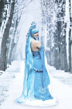 Bree Ice Serie: Original Cosplay Foto by: ValliCosplayPhoto Edit: Photoshop   #original #cosplay #originalcosplay #ice #blue #goddess #dragon #fantasy #photoshop #photo #vallicosplayphoto