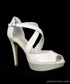 Elegantes y cómodos Zapatos de Novia mod. 114400