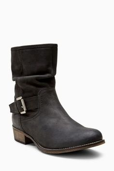 For the kick-back and relax Autumn boot look no further than these leather beauties!