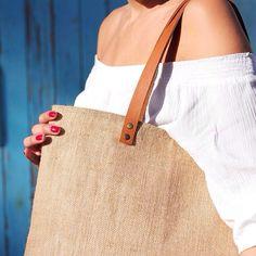 Close-up!!!Cause details are importantcoming soon turquetahandmade.com #vscocam #handmade #craftsposure #burlap #bag #fashion #details #turquetahandmade