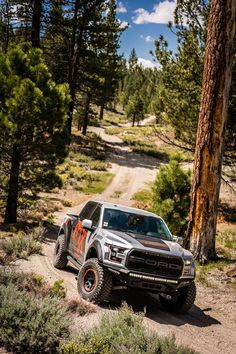 #FrontEndFriday When FOX wants a quality bumper to go on their truck, they know who to call! www.addoffroad.com
