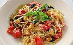 Spaghetti melanzane, pomodorini e capperi - Primo appetitoso di stagione