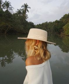 in new season LOC. Lisa wears the 'Sierra - Gold' 🌴 Chapeau Cowboy, Cowboy Hats, Looks Style, Style Me, Lisa, Unisex, Swagg, Passion For Fashion, Winter Fashion