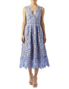 Ensure you're an oh-so-stylish member of the wedding party thanks to our Marianne lace dress. Overlaid with intricate floral lace for a soft of feminine look...