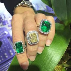 Colombian Emerald.. Such beauty in color stones #colombian #emeralds #precious #natural #rodeodrive #beverlyhills #90210 #viarodeo #luxury