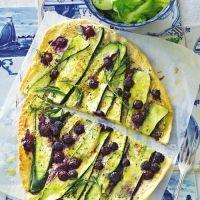 Zucchini-Blaubeer-Flammkuchen. Tolle Kombination, einfacher Teig >>richtig lecker<<